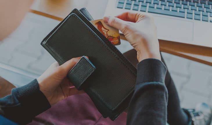 Blogging शुरू करने के लिए किन-किन चीज़ों पर invest करें?